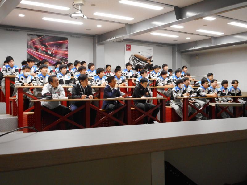 一級工学科3年生の国内研修報告会