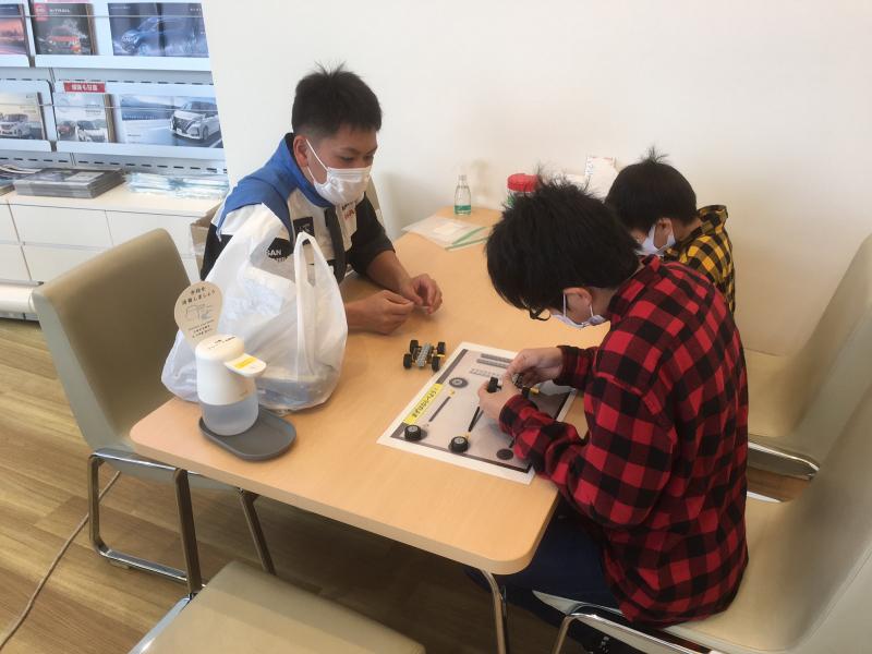 滋賀日産 彦根店様で学校のPRを行ってきました!