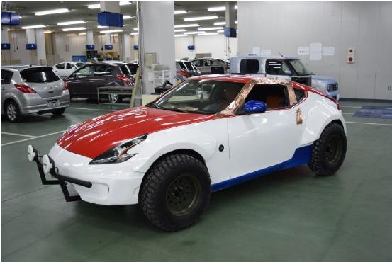 日産愛知自動車大学校が大阪オートメッセに出展 学生が制作したカスタムカーを展示